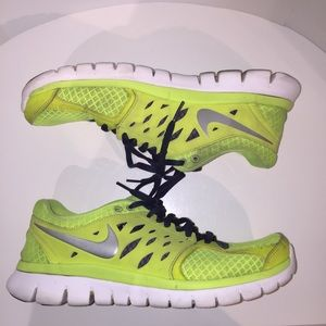 Nike Men Flex 2013 Running Shoes Used Green Sz 8.5